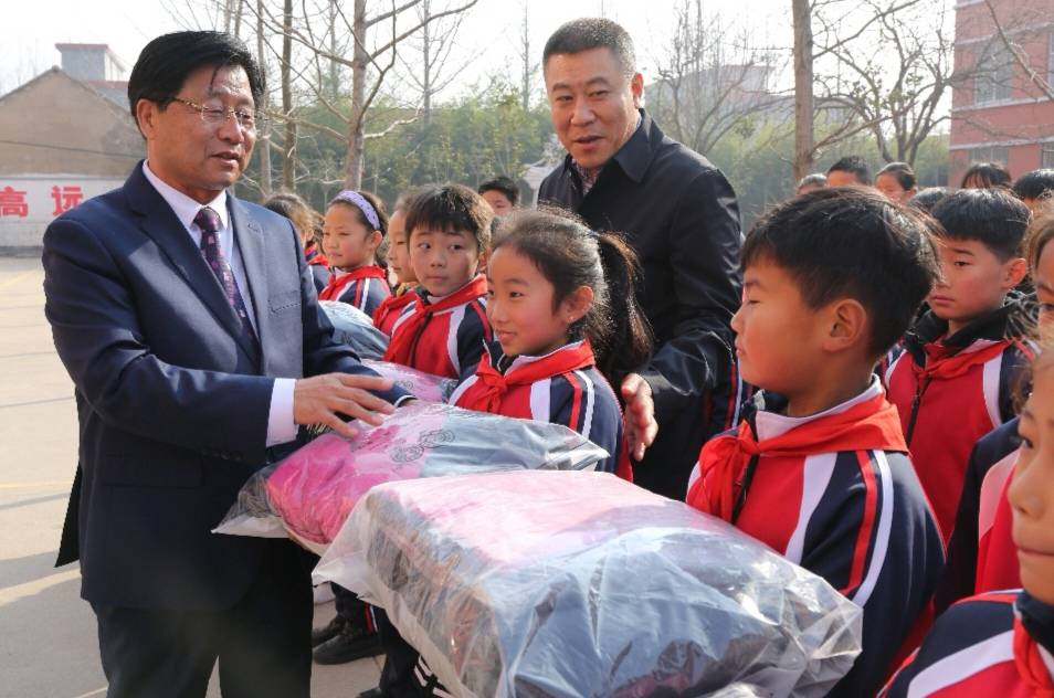 中亚协公益工作部 捐款捐物奉献爱心助力疫情防控